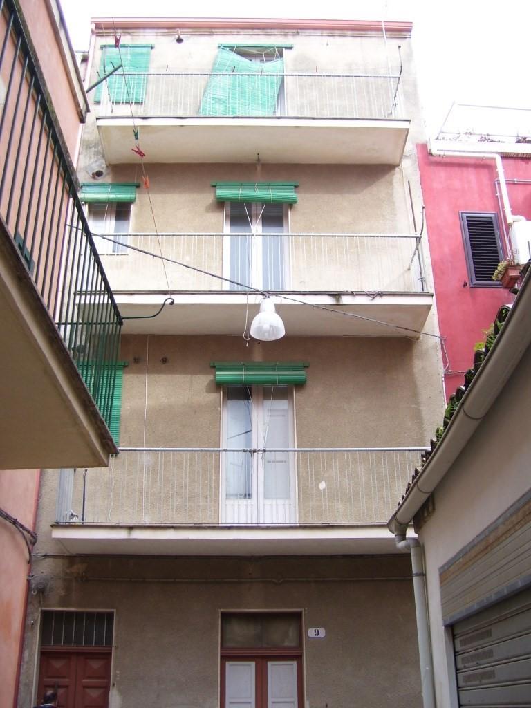 Vendesi casa indipendente a Ragusa
