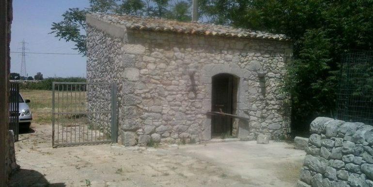 rustico_casale_e_casa_di_corte-in-affitto-a-ragusa (4)