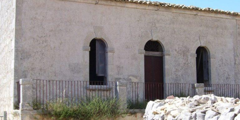 rustico_casale_e_casa_di_corte-in-vendita-a-ragusa