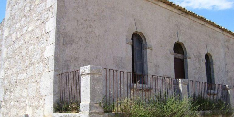 rustico_casale_e_casa_di_corte-in-vendita-a-ragusa (2)