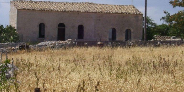 rustico_casale_e_casa_di_corte-in-vendita-a-ragusa (3)