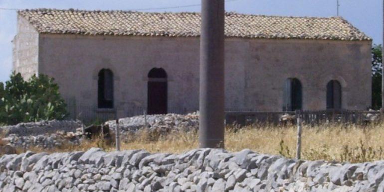 rustico_casale_e_casa_di_corte-in-vendita-a-ragusa (4)