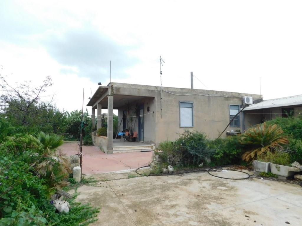 Terreno agricolo in vendita a Chiaramonte Gulfi