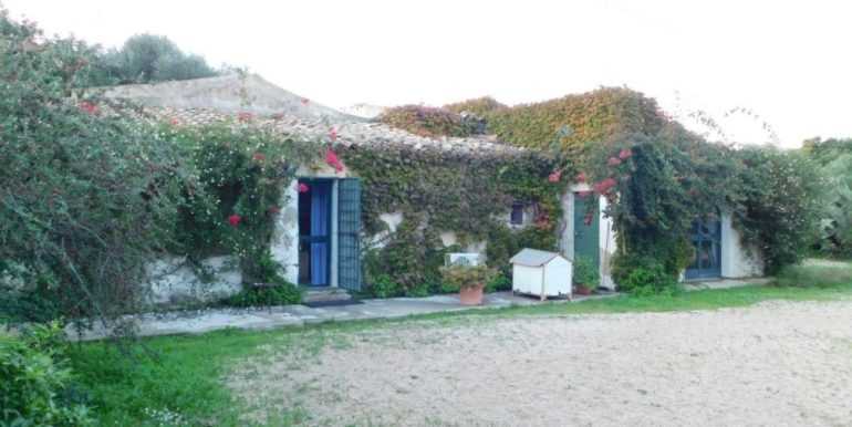 villa_singola-in-vendita-a-santa_croce_camerina (25)