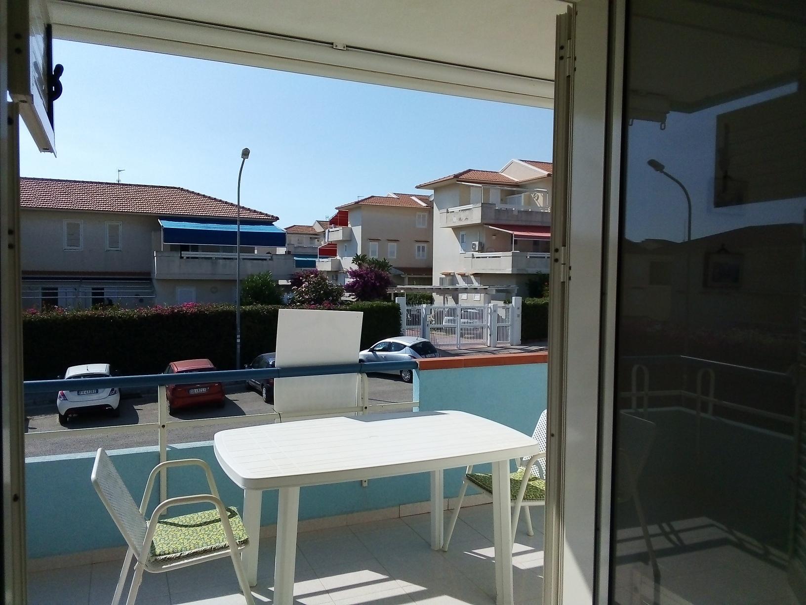 Vendesi appartamento con posto auto a Marina di Ragusa